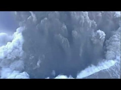 Spectacular Footage from above the Volcanic Crater