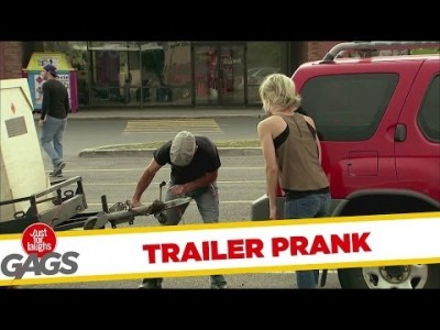Prank: Trailer Refuses to Stay on Hitch