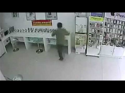 Epic Robbery Caught on Camera