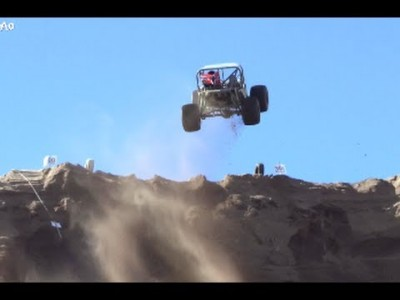 Extreme Jeep Jump and Crash