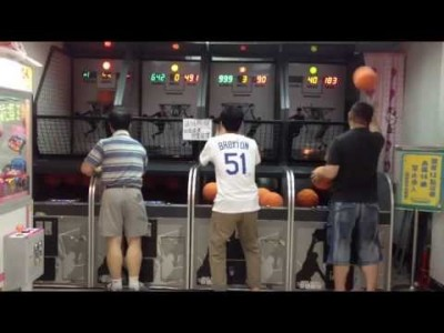Man completely owns Arcade Basketball