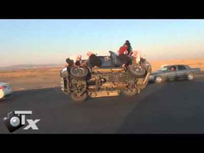 Saudis Changing Wheels/Tyres while Driving