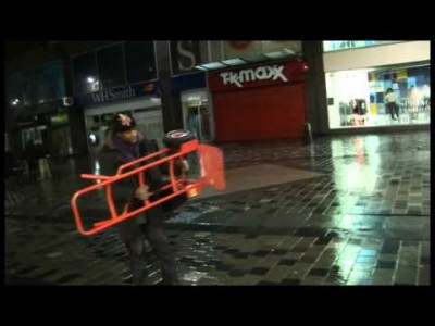 Racist Scumbags in Glasgow Attacking a Busker