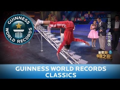 Guinness World Records – Climbing Stairs with your Head