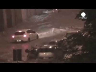 Flash Floods in Italy: Amateur Video shows Violent Flooding in Streets