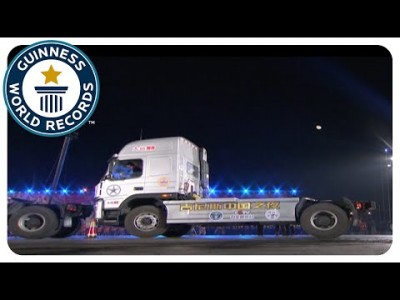 Tightest Truck Parallel Parking – Guinness World Records