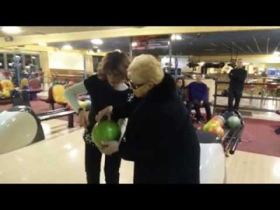 84 Year old Bowls for the First Time