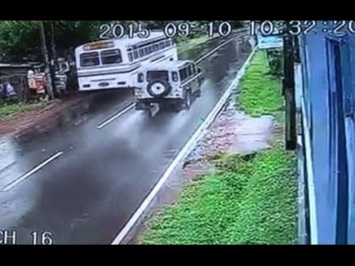 CCTV Footage of Minuwangoda Defender Crash